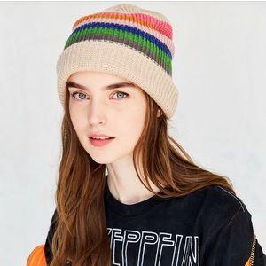 🌬🌬Brand New - UO Striped Cuff Beanie